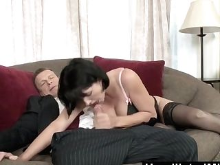 Humiliatedmilfs Cougar Reporter Roxanne Hall Fucks Inhales For A Scoop
