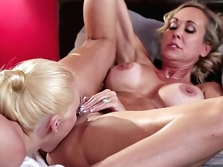 Masseuse Aj Applegate Licks Cooch Of Well Stacked Seductress Brendy Love