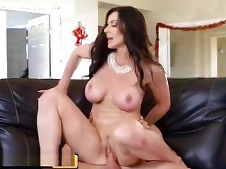 Brazzers - Big Tit Mummy Kendra Enthusiasm Fucks The Pizza Boy