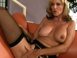 Milfy Jodi West Entices  Cocky Man Ralph Lengthy