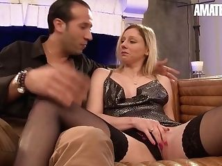 Lexy Bee Horny Blonde Mummy Attempts Xxx Assfucking For The Very First Time