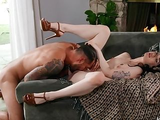 Evelyn Claire In A Handful - Babesnetwork