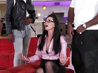 Fucking Hot Cougar India Summer Is Fucked By A Few Black Guys