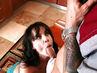 Awesome Oral Job By This Voracious Black-haired To Her Friend