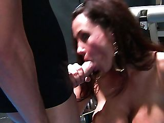 Well Stacked Porno Actress Lisa Ann Is Having Fuck-fest With Horny Sport Instructor